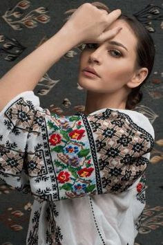 "Ie Traditionala Romaneasca Maneca Lunga Motivul Goblen. Traditional Romanian blouse called ""ie"", hand sewn and embroidered Polish Embroidery, Folk Embroidery, Embroidery Fashion, Embroidered Clothes, Embroidered Blouse, Folk Fashion, Ethnic Fashion, Romanian Girls, Romanian Flag"