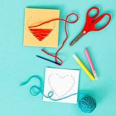 """Und noch eine einfache Valtentinstags-Karte für Kinder: Ein Herz """"prickeln"""" und dann mit Wolle und einer dicken Nadel farbig gestalten!"""