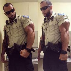 Cops wearing a Wristwatch Hot Cops, Cop Uniform, Men In Uniform, Hunks Men, Hot Hunks, Hairy Men, Bearded Men, Hot Guys Tattoos, Lycra Men