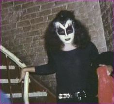 Z Music, Kiss Photo, Kiss Band, Hot Band, Gene Simmons, Fake Photo, Cursed Images, Online Images, Halloween Face Makeup