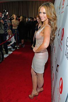 Jennifer Love Hewitt Body, Great Legs, Layered Cuts, Sexy High Heels, Hot Actresses, Beautiful Celebrities, Muse, Celebs, Girl Celebrities