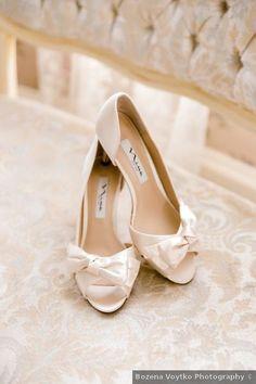 Wedding shoes ideas - white, gold, bow, open toe, heels {Bozena Voytko Photography}