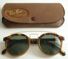 the Gatsby Ray Ban: a classic.