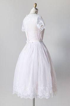 vintage 1950s white organza embroidered party dress - Click Image to Close