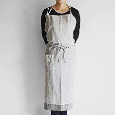 現在サイトを更新中ですが、その中には先日実店舗で行われたgangaの布も含まれています。ちくちくコースターやちくちくマット、手織りの綿でできたエプロンなどなど。 また、来週にはgangaのヒマラヤウールの掛け布や、真木テキスタイルスタジオのタッサーシルクを使った美しいストールもサイトにアップする予定です。  We are updating the online shop today with some new items including some textiles from our recent Ganga exhibition. Today's upload includes small coasters and tea mats as well as a few other items like this apron made from handwoven cotton.  Some of their very beautiful silk scarves and wool wraps will be available online next week…