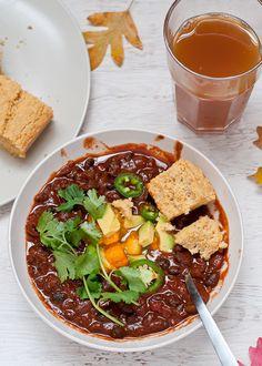vegan chili dinner with gluten free cornbread. Now this looks good!