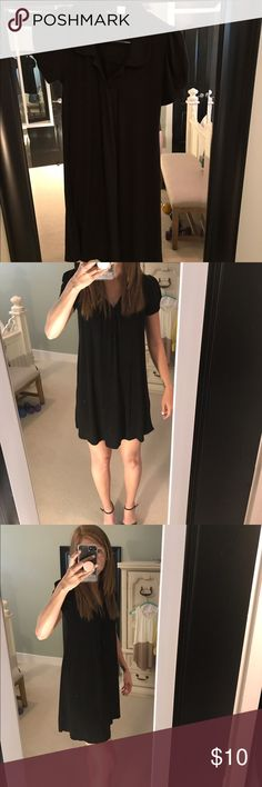 Black H&M dress; sized as a 36 Very comfortable, loose, black H&M dress, can dress it up or down. H&M Dresses
