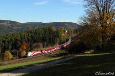 ÖBB flagged #railjet with '175 Jahre Eisenbahn' (175 years Railway)  Photo: C. Eisenschink