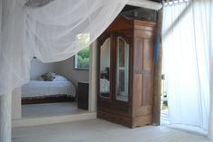 Playa Manglares, hosteria: cama sencilla