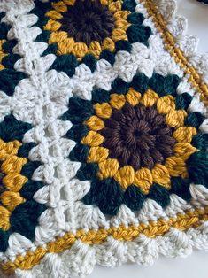 Sunburst Granny Square, Granny Square Blanket, Granny Square Projects, Easy Granny Square, Granny Granny, Granny Square Tutorial, Flower Granny Square, Granny Square Crochet Pattern, Afghan Crochet Patterns