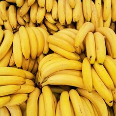 Some Recommendations for Those Ripe Bananas - Fiver Feeds Orange Aesthetic, Aesthetic Colors, Yellow Foods, Yellow Things, Food Wallpaper, Wallpaper Pictures, Desktop Wallpapers, Wallpaper Backgrounds, Fruit Photography