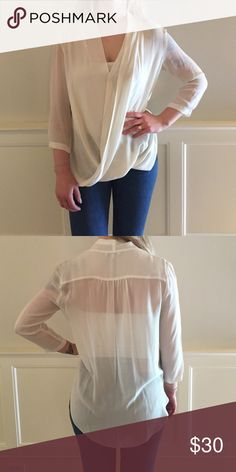Silk Babaton blouse Purchased from Aritzia. Is sophisticated and and versatile. Can be worn day or night! Worn once. Babaton Tops Blouses