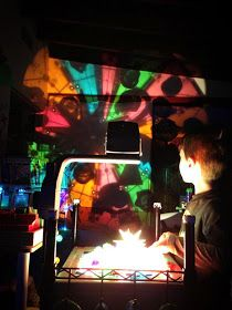 overhead projector play with magna tiles