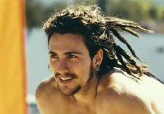 oficialmente enamorada aaron johnson esta ufff y de hipster/surfer de cali omg