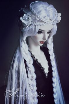 ImageFind images and videos about doll and bjd on We Heart It - the app to get lost in what you love. Pretty Dolls, Cute Dolls, Beautiful Dolls, Ball Jointed Dolls, Ooak Dolls, Barbie Dolls, Dress Dior, Gothic Dolls, Fantasy Hair