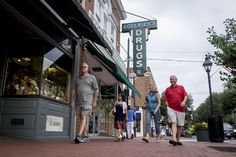 """The Washington Post's Going Out Guide:  """"Fredericksburg guide: Someplace old, something new"""" Fredericksburg's historic district is a 40-square-block part of town anchored by Caroline Street. (Pete Marovich/For The Washington Post)"""