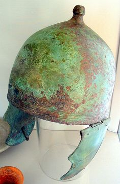 Etruscan Montefortino-type helmet  Bronze, Montefortino-type helmet.   Perugia, Monteluce Necropolis, Tomb of 4/19/1887. 350-300 BCE.   Museo Archeologico Nazionale, Perugia, Umbria