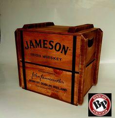 guacal vintage madera Irish Whiskey, Dublin, Magazine Rack, Ireland, Decor, Decoration, Irish, Decorating, Deco