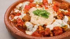 Eén - Dagelijkse kost - stoofpotje met lamskefta, yoghurtsaus en rijst   Eén