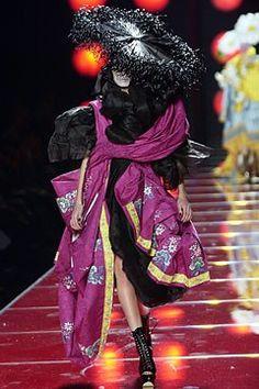 Christian Dior Spring 2003 Couture Collection Photos - Vogue
