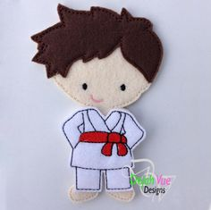 Karate Outfit for dress up dolls Crafts For Boys, Hobbies And Crafts, Diy For Kids, Karate Boy, Paper Dolls Printable, Boy Doll, Felt Toys, Felt Ornaments, Couture
