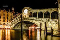 Venedig - Rialtobrücke über den Canal Grande © https://www.facebook.com/TCGib