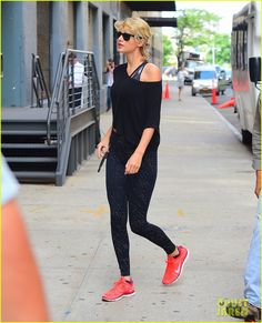 Taylor Swift Had 'Fun All Night' at Mike Hess' Birthday Party!: Photo #3729050. Taylor Swift makes her way inside her gym to get in a workout on Monday morning (August 8) in New York City.    Over the weekend, the 26-year-old entertainer hit…