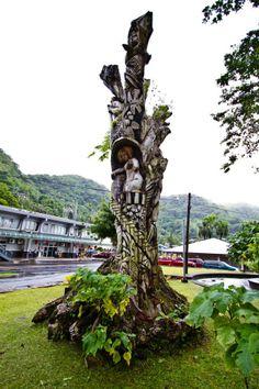 wood carving art Wood Carving Art, Wood Carvings, Wood Art, Tree Sculpture, Sculptures, Street Art, Museum, Unique, Plants