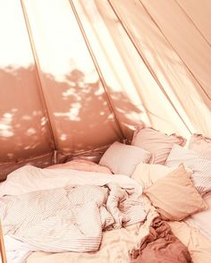 With the superior ventilation and wicking properties of bamboo charcoal materials, these quilt covers are ideal for all four seasons. Canvas Bell Tent, Gangster, Queen Mattress, Quilt Cover Sets, Luxury Bedding, Sweet Home, Instagram, Inspiration, Things To Sell