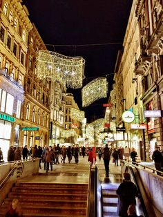 Kärtnerstrasse Vienna Times Square, Street View, Places, Travel, Vienna, Life, Voyage, Viajes, Traveling