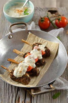 Brochette de kefta de boeuf et sauce au yaourt {sans gluten}