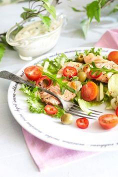 Marinoitu lohi-perunasalaatti