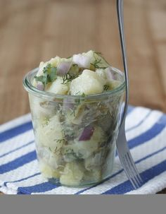 Potato Salad for your picnic! Learning to Eat Allergy-Free: Potato Salad Recipe from The Allergy-Free Pantry Allergy Free Recipes, Paleo Recipes, Classic Potato Salad, Egg Allergy, Food Articles, Vegan Snacks, Food Allergies, Summer Recipes, Pantry