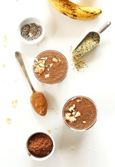 HEALTHY Recovery Drink with Chocolate, Coconut Water, Chia seeds, and tons of healthy fats and protein! #vegan #glutenfree #CrackLifeOpen