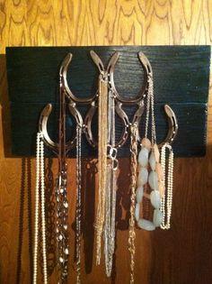 Horseshoe jewelry hanger made by Rustic Charm. LOVE THIS https://www.facebook.com/rusticcharmhbar4?ref=tn_tnmn