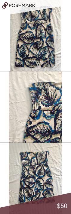 "✨HOST PICK✨Strapless Mini Dress EUC Cream with blue, purple, & tan leaf print. Slight sweetheart neckline, and pockets!! 30"" Long. Waist: 14.5"" laying flat. 99% Silk. Make me an offer!!  Banana Republic Dresses Strapless"