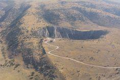 Η «Αμφίπολις των Τρικκάλων» έδωσε την αρχαιότερη «ερωτική καρδιά» στον κόσμο! Ευρέθη πύλη τεραστίων διαστάσεων της αρχαίας Πέλιννας Θεσσα... Grand Canyon, Mountains, Nature, Travel, Naturaleza, Viajes, Destinations, Grand Canyon National Park, Traveling