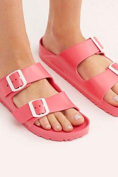Birkenstock Outfit, Birkenstock Arizona, Waterproof Birkenstocks, Cute Shoes, Me Too Shoes, Coral Sandals, Girls Sandals, Summer Sandals, Soft Corals
