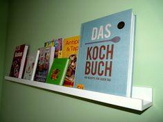 Praktische Wanddeko in der Küche, Tags Deko + Küche + Kochbücher