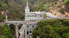 A sky-high Colombian sanctuary, Las Lajas Sanctuary floats 100m above a gorge in the Guáitara River.