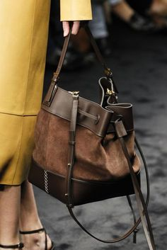 Loewe Autumn/Winter 2017 Ready to Wear Details | British Vogue