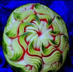 Scultura in frutta
