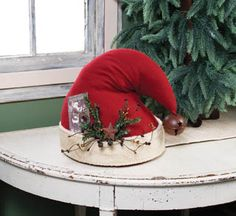 Christmas Hat Centerpiece - $40.00 : Enchanted Cottage Shop, For Gifts Antiques Reproductions Collectables and Home Decor