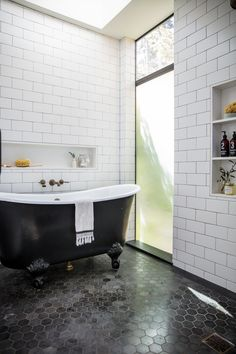 Respectable economized bathroom remodel on a budget Get the style you want Low Budget House, Home Budget, Beige Wall Colors, Beige Walls, White Bathroom, Small Bathroom, Tile Bathrooms, Bathroom Ideas, House Flippers