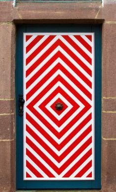 Kleve, North Rhine-Westphalia, Germany - red and white door