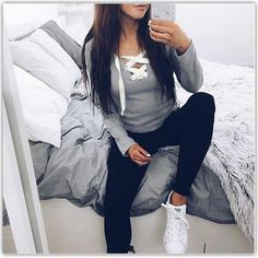 Women T-Shirt Sexy Long Sleeve V-Neck Tee shirts Sexy Women Lace-Up Tops Tees LJ5270M