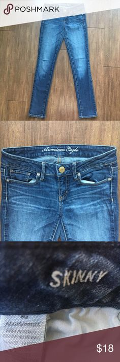 AMERICAN EAGLE Skinny Stretch Short Sz 2 Jeans Great skinny jeans. American Eagle Outfitters Jeans Skinny