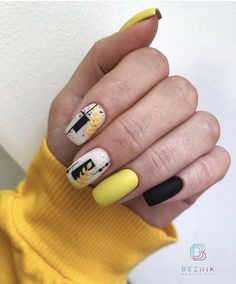 What Christmas manicure to choose for a festive mood - My Nails Stylish Nails, Trendy Nails, Winter Nail Designs, Nail Art Designs, Acrylic Nails, Gel Nails, Manicure, Yellow Nails, Glitter Nail Art