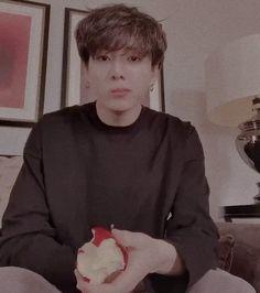 just jk looking at my mega unhealthy soul Bts Kookie, Jungkook Oppa, Bts Bangtan Boy, Namjoon, Taehyung, Jung So Min, Jung Kook Bts, Jung Hoseok, Jeon Jeongguk