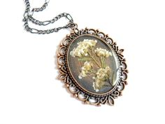 Pressed Flower Necklace Resin Jewelry teamhandmade by FloraBeauty, $19.00